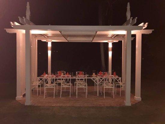 Tryall Club: al fresco dining...every night