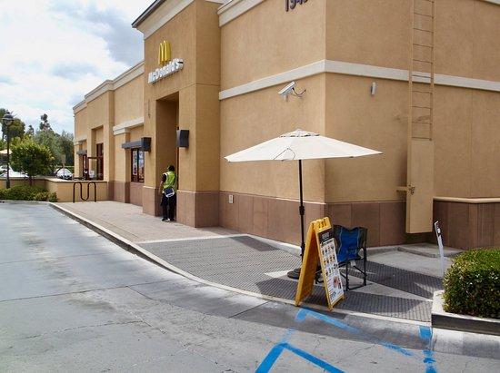 Irvine, Kaliforniya: Entrance