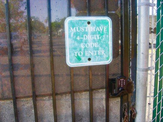 Mission Bay RV Resort : Security