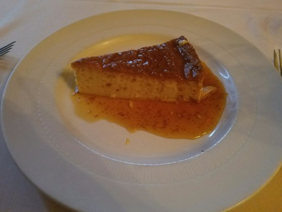 Rialto: FLAN...a must have at this restaurant!