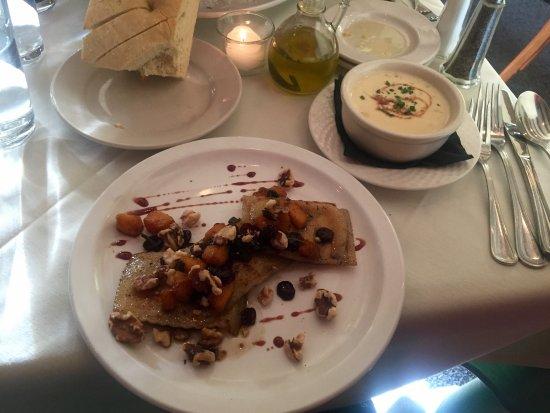 มิดเดิลเบอรี, เวอร์มอนต์: Roasted Garlic & Potato Soup, Vermont Fresh Pasta Ravioli