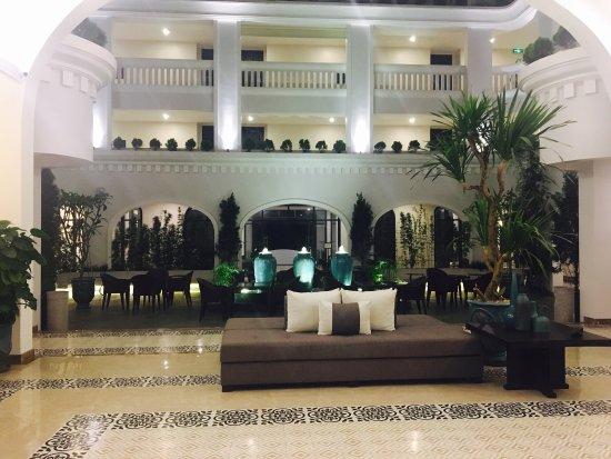 Heerlijke regendouche picture of lasenta boutique hotel for Best boutique hotels hoi an