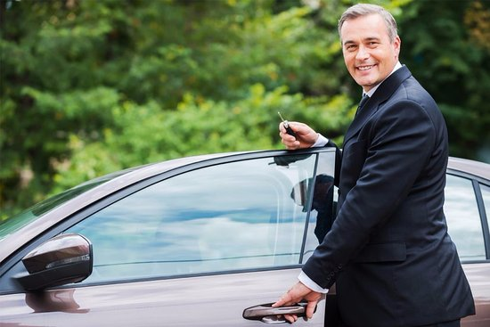 Newrybar, Australia: Our professional chauffeurs will get you there in stress-free style.