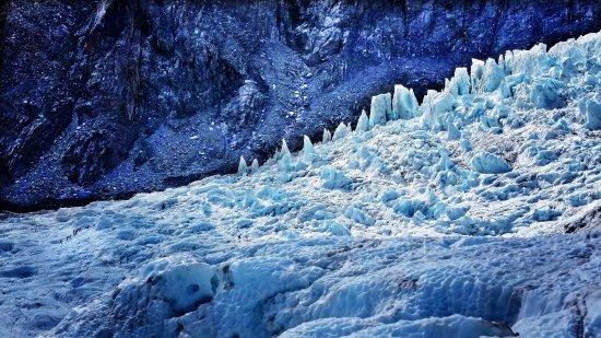 Franz Josef, New Zealand: Spot the humans.