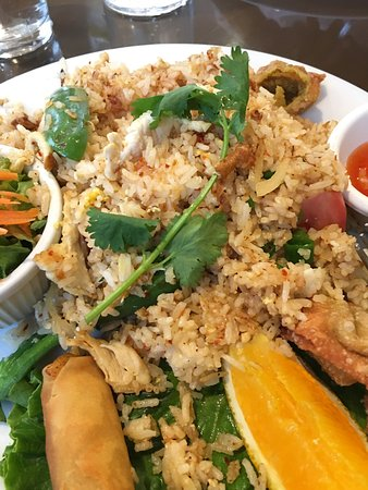 Spices thai cafe san diego 6785 mira mesa blvd ste 143 for 8 spices thai cuisine menu
