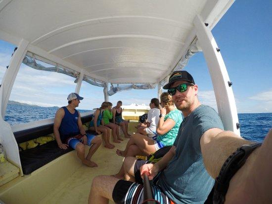 Navini Island, Fidżi: On our way to visit Sand Cay island.