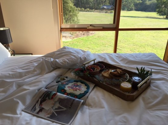 Breakfast in Bed - Yering Gorge Cottages