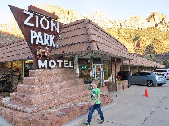 Zion Park Motel: The lovely friontage