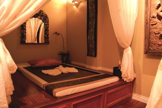 Claremont, CA: Massage Room (2)
