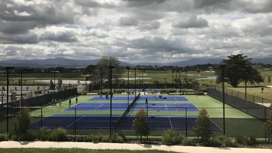 Tennis - The Eastern Golf Club & Yering Gorge Cottages