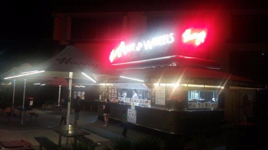 Victoria Park, Australia: Open late evening