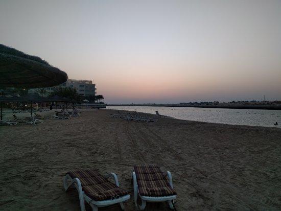 Al Raha Beach Hotel: IMG_20170423_184911_large.jpg