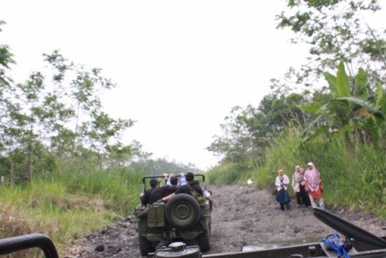 Sleman, Indonesia: go..go..go...
