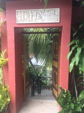 Danai Spa at Tanjung Bungah Penang: Entry from street