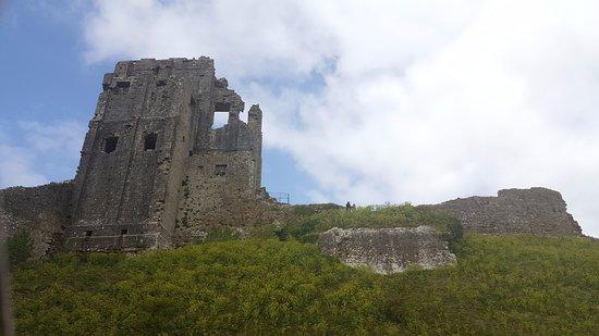 Corfe Castle, UK: castle
