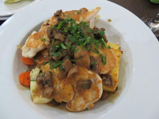 Barooga, Australia: Chicken tenderloins and vegies.