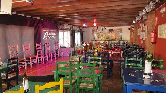 Comedor y tablao picture of jardines de zoraya granada for Jardines de zoraya granada