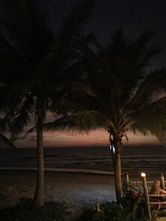 Good Days Lanta Beach Resort