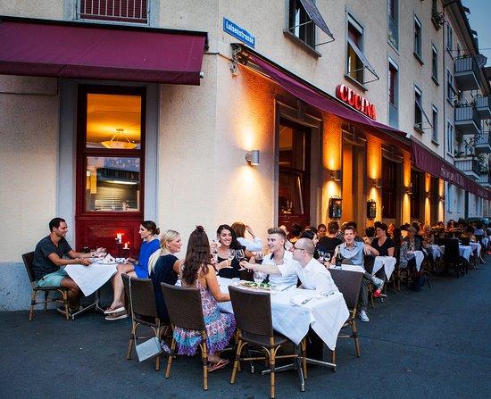 Ristorante Cucina : Dining on a lovely summer night