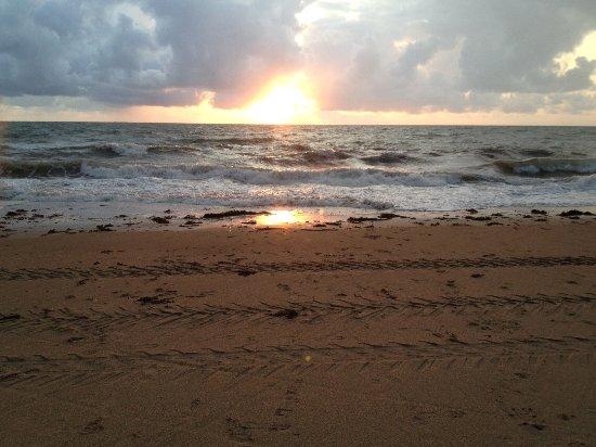 Brehal, Frankreich: août, mer agitée