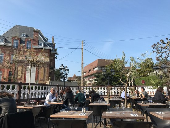 Le Hasting's : terrasse