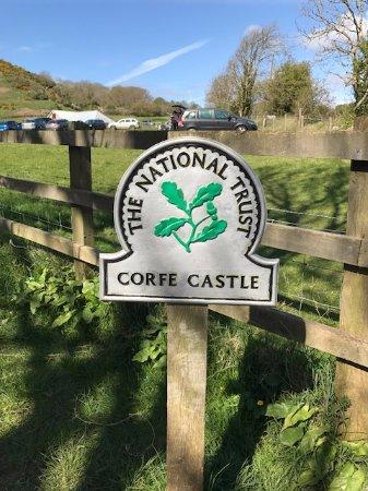 Corfe Castle, UK: At the car park