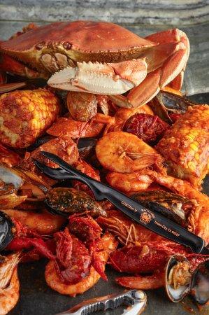 Backyard Bayou: Bayou Bucket Includes Dungeness Crab And 2 Shell Fish Side