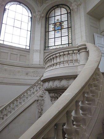bel escalier intérieur - Picture of Palais des Beaux Arts, Lille ...