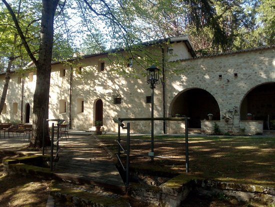 Sellano 사진
