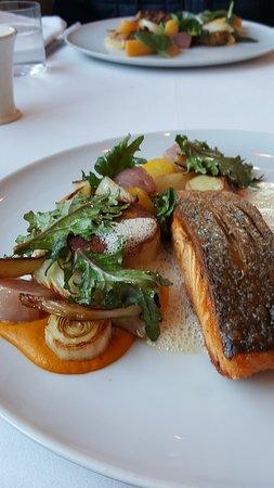 Raymonds Restaurant : Salmon
