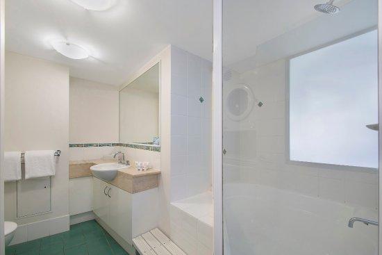 Caloundra, Australia: 1 Bedroom Water View Apartment