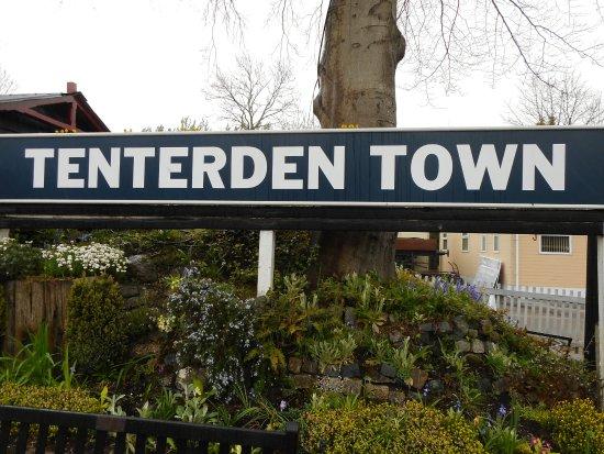 Tenterden Town sign.