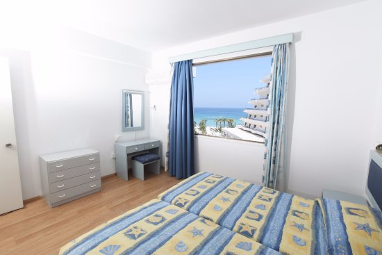 Constantinos The Great Hotel Apartments