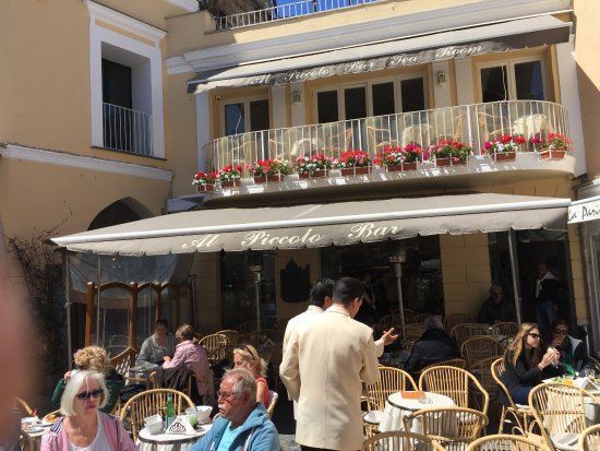 Al Piccolo Bar: Outside view