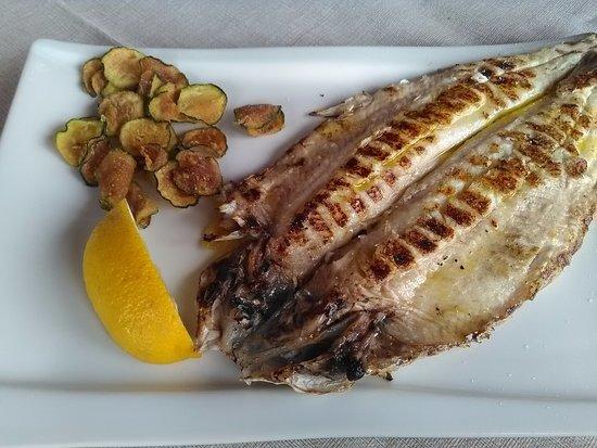 Gardola, Italy: Buonissimo pesce di lago