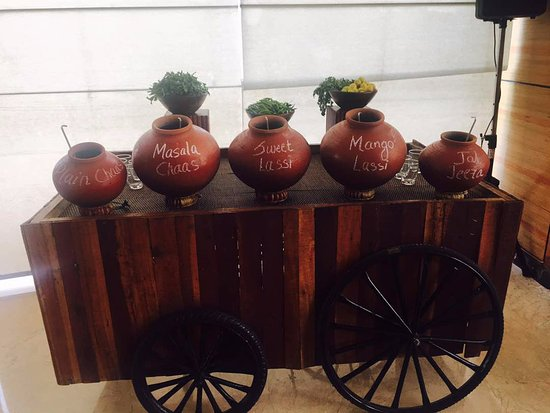 Courtyard Ahmedabad: Sunday Brunch@ Cafe Momo... summer coolers !!!