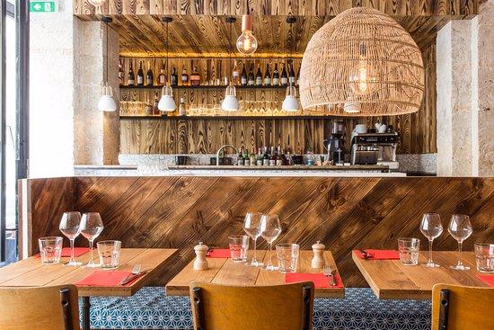 les pinces pigalle paris opera bourse restaurant reviews phone number photos tripadvisor. Black Bedroom Furniture Sets. Home Design Ideas
