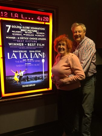 Surprise, AZ: My wife Jeanine and I loved seeing this movie!