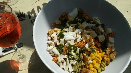 Maracas Beach Bar: Ensalada pasta tricolor