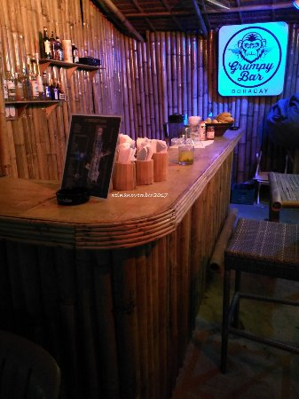 Malay, Philippinen: the bar