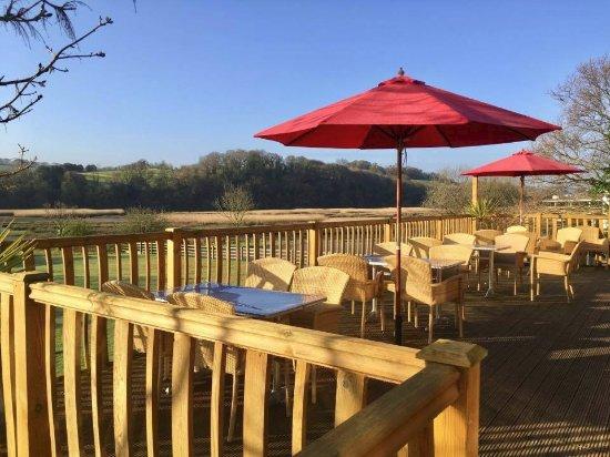 Kingsteignton, UK: Outside restaurant seating area.
