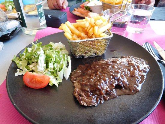 Talmont-Saint-Hilaire, France : bavette d'aloyau sauce échalotte