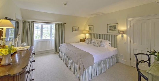 Calne, UK: The Kerry Room at Queenwood Lodge