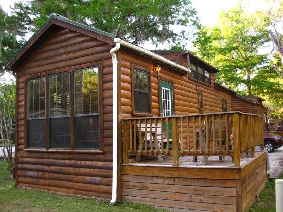 Inverness, FL: Cute cabin 24a with deck