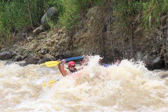 Desafio Adventure Company: Rio Balsa white water rafting.