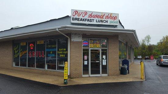 Hazlet, NJ: Best hometown deli and restaurant in area