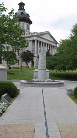 South Carolina State House: A wonderful monument to Law Enforcement