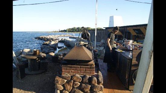Svaneke, Danmark: Prepare sunrise brunch
