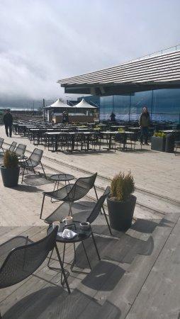 Terassi meren ääreltä - kuva: Ravintola Löyly, Helsinki - TripAdvisor