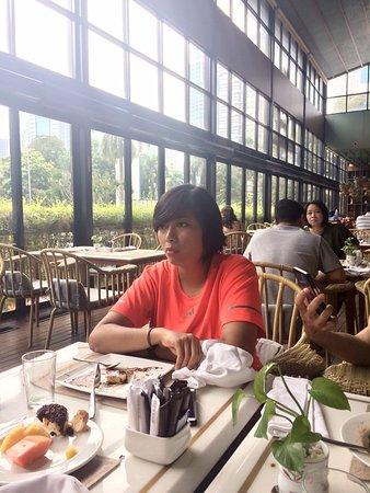 Century Park Hotel: Breakfast